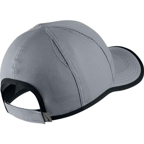 65648d46025 Nike Featherlight Youth Tennis Hat. NIKE - Item  739376065